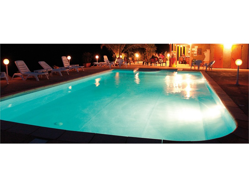 Sylvania par 56 led swimmingpool lampe weiss 12 led 6000 for Swimmingpool abverkauf