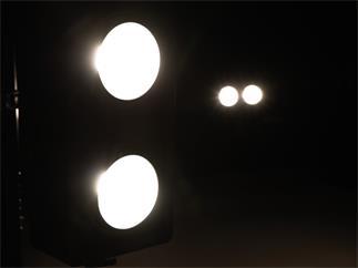 EUROLITE Audience Blinder 2x100W LED COB WW