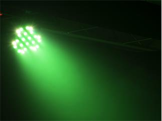 EUROLITE LED Big PARty Spot RGBW-LED-Farbwechsler mit DMX