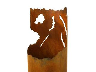 "Feuersäule ""Rissdekor"", rostig 123 cm"