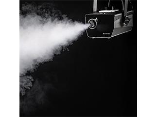 Cameo PHANTOM F3 - Nebelmaschine mit 950 W Heizleistung und innenbeleuchtetem Fluid-Behälter