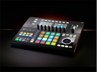 Native Instruments Maschine Studio schwarz inkl Version 2.4