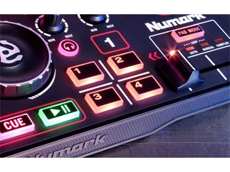Numark DJ2Go 2 Pocket DJ Controller mit Audio Interface