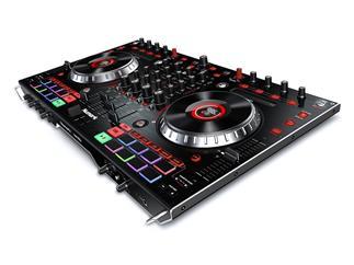 Numark NS6 II - Premium 4-Deck DJ Controller mit 2 USB-Anschlüssen
