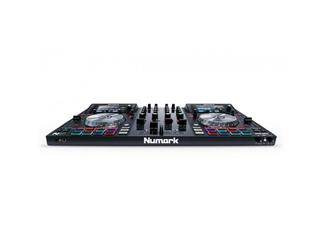 Numark NV Dual-Display 4-Kanal Controller für Serato DJ