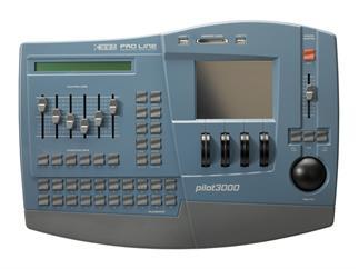SGM PILOT 3000 Hybridkonsole für Movinglights und Dimmer 1024 Kanäle inkl Case