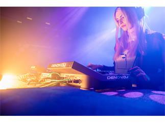 "DENON DJ SC6000 PRIME Prof. DJ-Medienplayer 10,1""Touchscreen und WLAN-Musikstreaming"