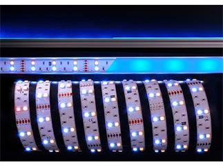 Flexibler LED Stripe, 5050, SMD, RGB + Warmweiß, 12V DC, 43,20 W