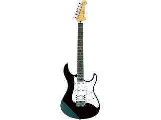 Yamaha Pacifica 112J Black E-Gitarre